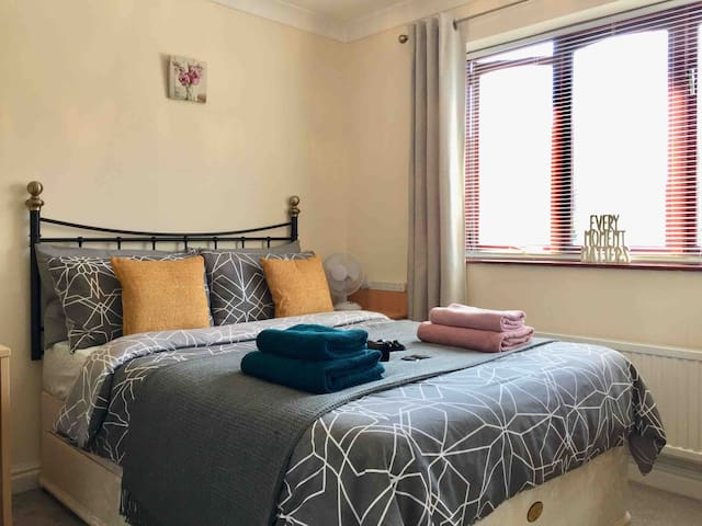 Cosy Double Room near Doncaster/Sheffield Airport