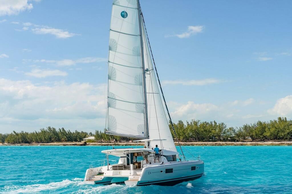 Deluxe Catamaran