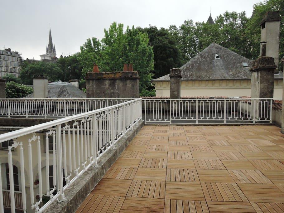 terrasse vue sur le château de Pau