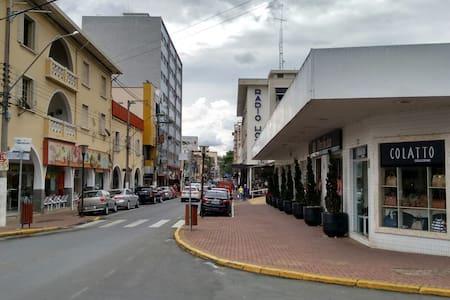 Apartamento Central em frente ao Rádio Hotel - Serra Negra