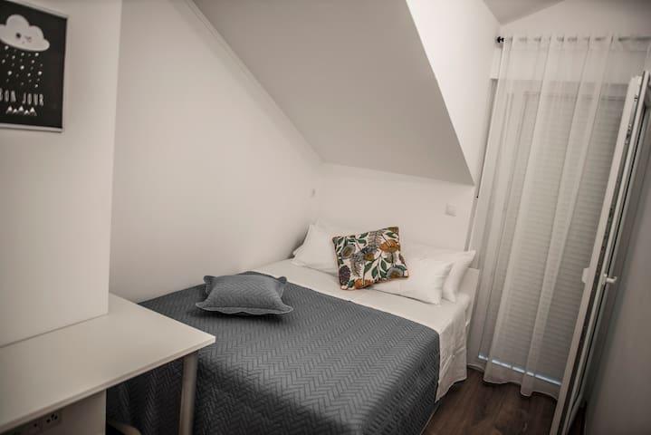 Room No2