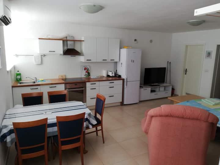 Apartma Max