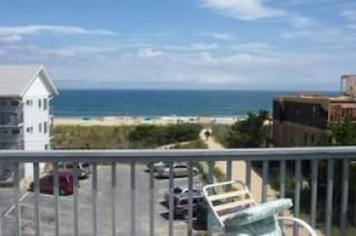 4 Shelter Beach Semi-Oceanfront Townhome