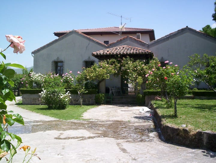 Casa Los Tejos
