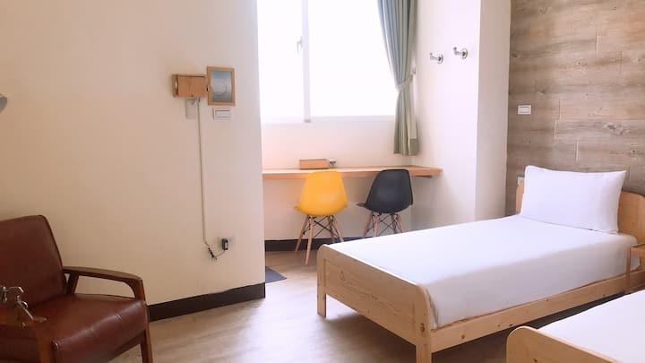 五號小公寓3F雙人間-TWIN ROOM(位於花蓮最熱鬧的金三角)