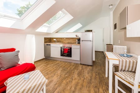 Moderne Wohnung 10 km zu Darmstadt Waldrand - Roßdorf