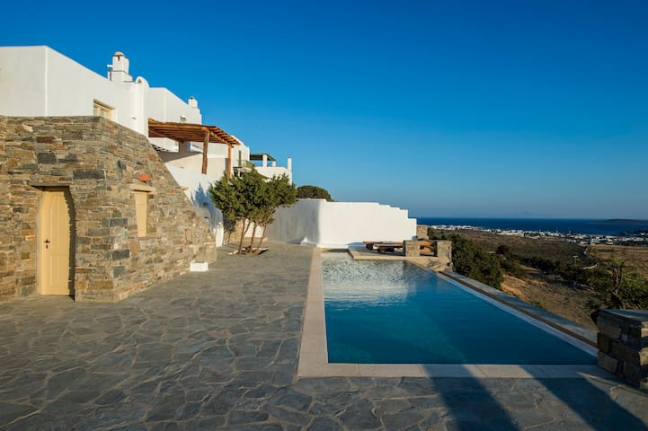 Villa with private swimming pool and amazing view - Paros - Villa