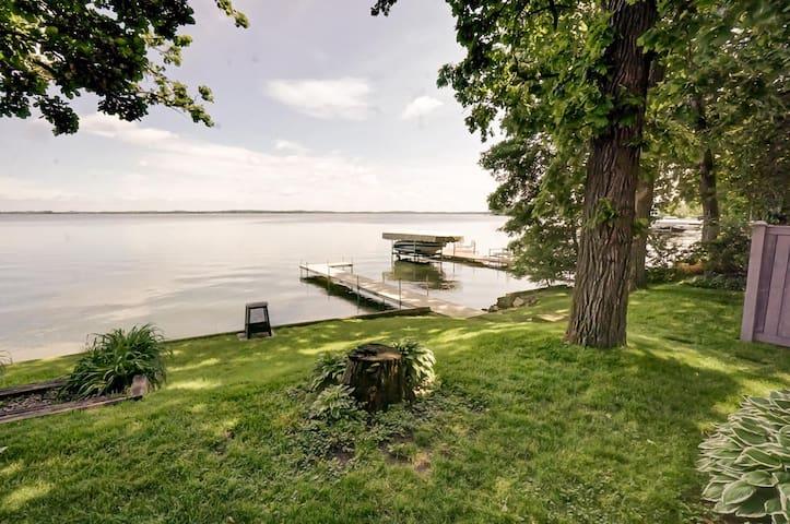 Lake Kegonsa - The Bascom Cottage- Near Madison
