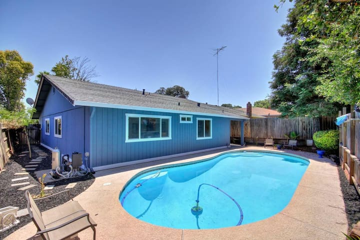 Spacious Comfortable Home | 4 beds and a Pool