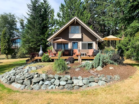Moonshadow Cabin - Beach Access & Puget Sound View