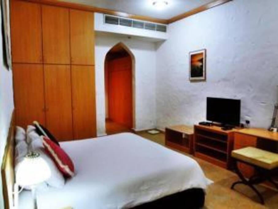Room For Rent In Qurum Muscat
