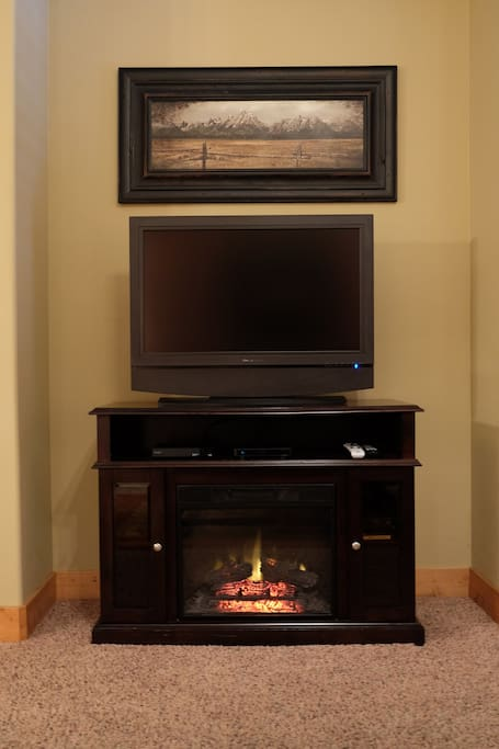 Living Room Fireplace and HDTV with Direct TV Satellite
