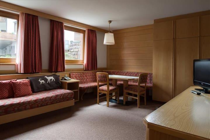 LORES - Studio Apartment in Selva Gardena B - Selva di Val Gardena - Appartement