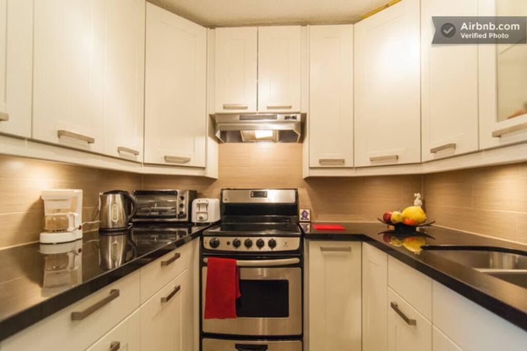 Everything-in kitchen