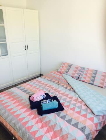 Chambre dans maison familiale