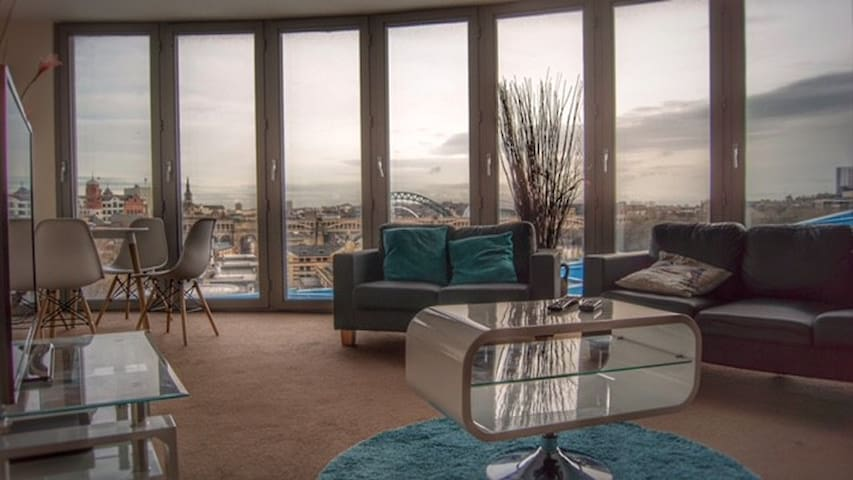 Luxury Quayside Apartment with Gated Carpark Space - Newcastle upon Tyne - Apartemen