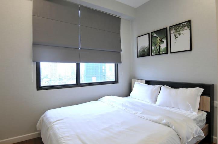 Light bedroom 2, closet, dressing table,...