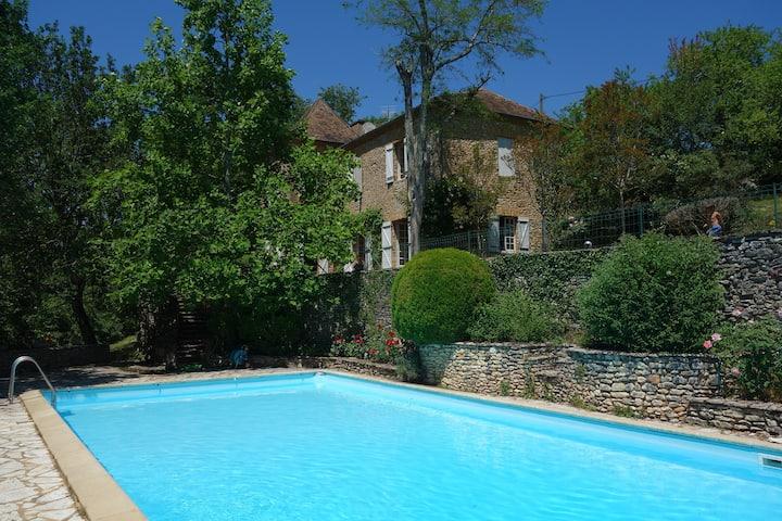 Dordogne prox Sarlat, grande piscine, 10 pax