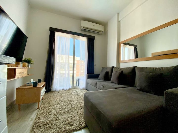 2bed apartment inside Resort