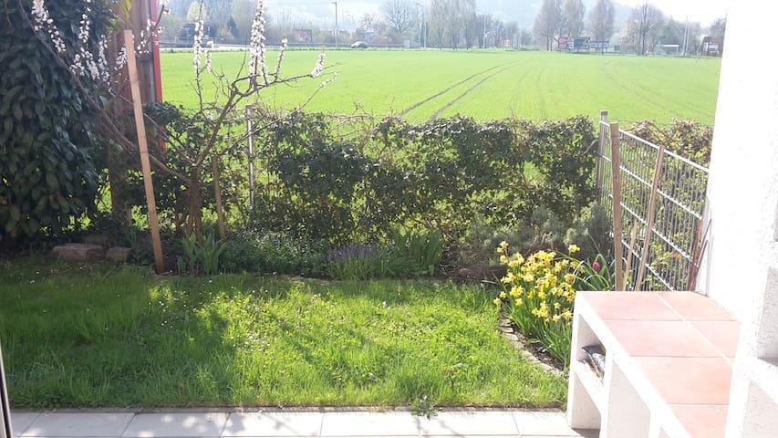Sonnige Gartenwohnung Nähe Uni-Linz - Linz - Apto. en complejo residencial