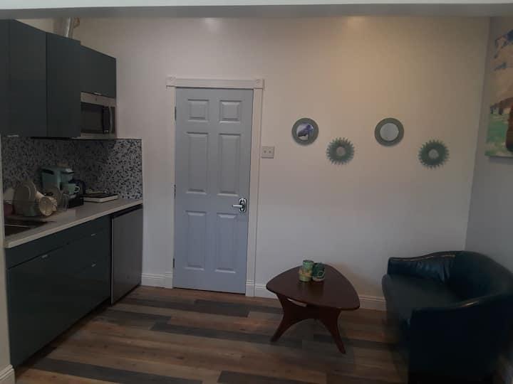 Small cozy studio near Beverley hills/Culver City