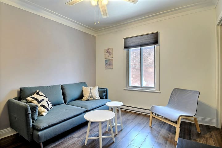 BEST DEAL, 2 Bedrooms, Near subway, Free parking! - Montreal - Departamento
