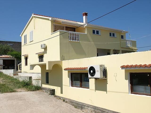 Apartman Marina - Dobropoljana - Apartemen