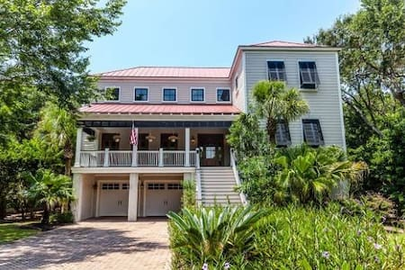 Wild Dunes Beach Property with a pool - Isle of Palms