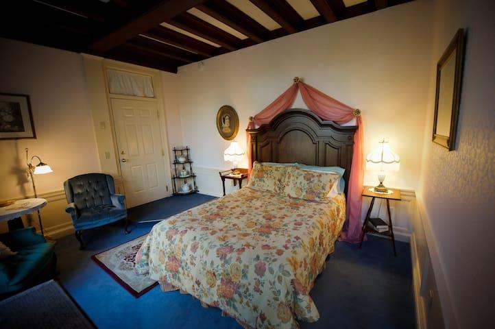 Cleftstone Manor- Laura Blair