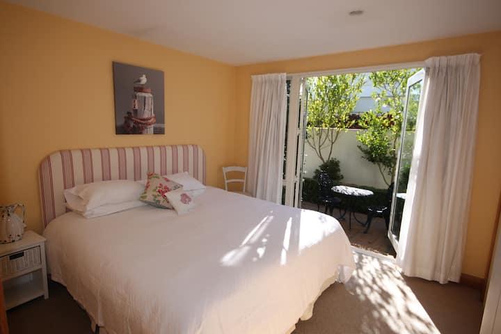 Private Room in Merivale