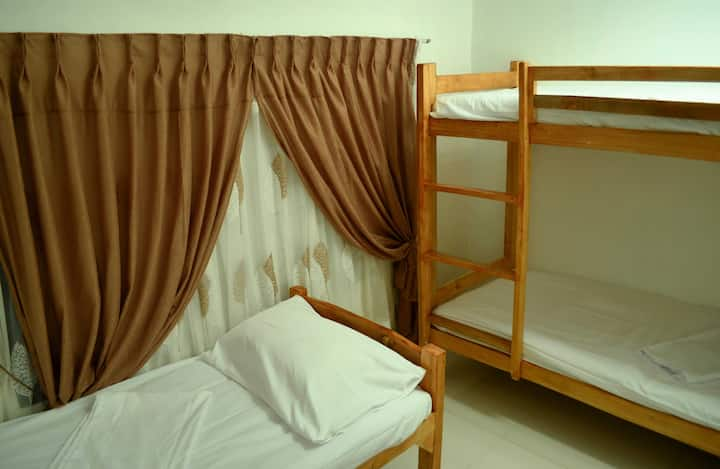Tagum Accomodation  3 Beds, WiFi, TV, AC,