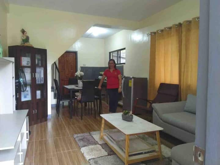 COZYDuplex1Apartment nearRobinson Mall, Tagum City