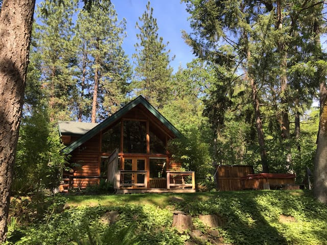 Thompson Creek Cabin with HOT TUB! Now with wifi! - Jacksonville - Blockhütte