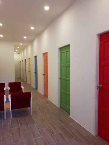 EZ Lodgings - 6 cozy single rooms - Bandar Seri Begawan - Pis