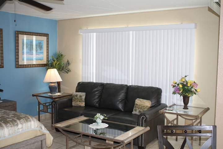 Gulfview 1-205 Cozy Getaway Studio Near Water Park