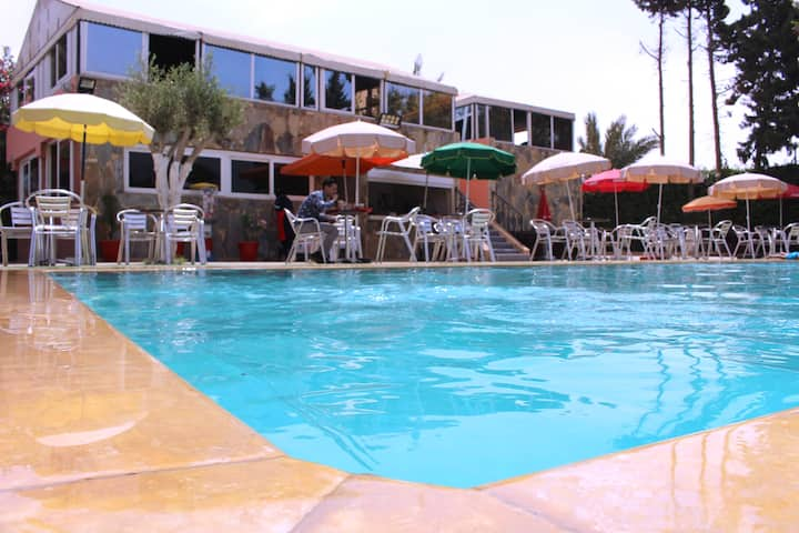 Studio-hôtels  vu magnifique avec piscine