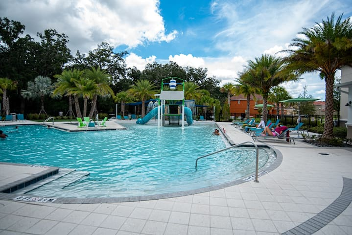7 Bed Pool Home Sleeps 18 Only 6 Miles To Disney