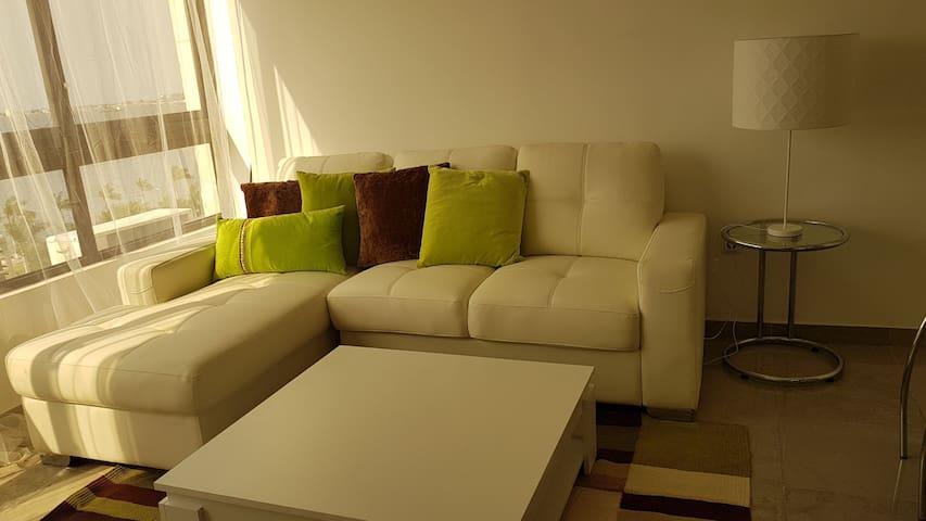 Apartamento central e confortável com vista mar