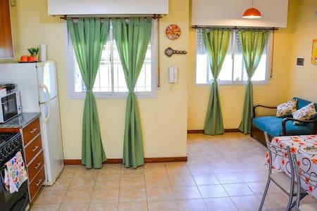 VALU 2 -Casa en Pergamino amoblada con cochera.