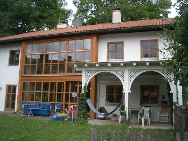 Großzügiges Einfamilienhaus mit Garten