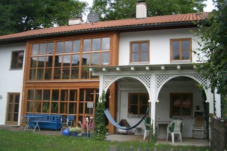 Großzügiges Einfamilienhaus mit Garten - Andechs