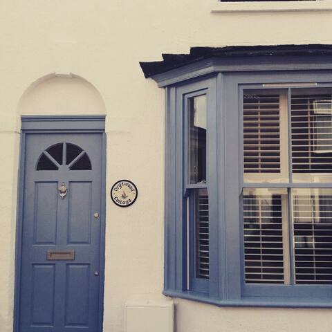 Driftwood Cottage & Private Parking - Whitstable - House