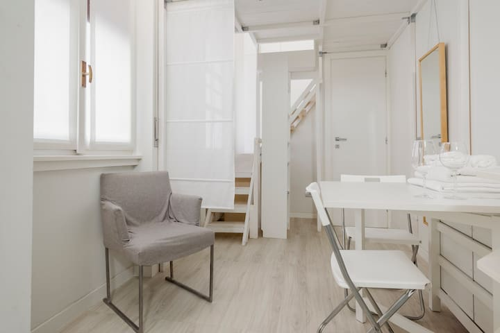 Sweet Tiny Apartment in the Heart of Milan