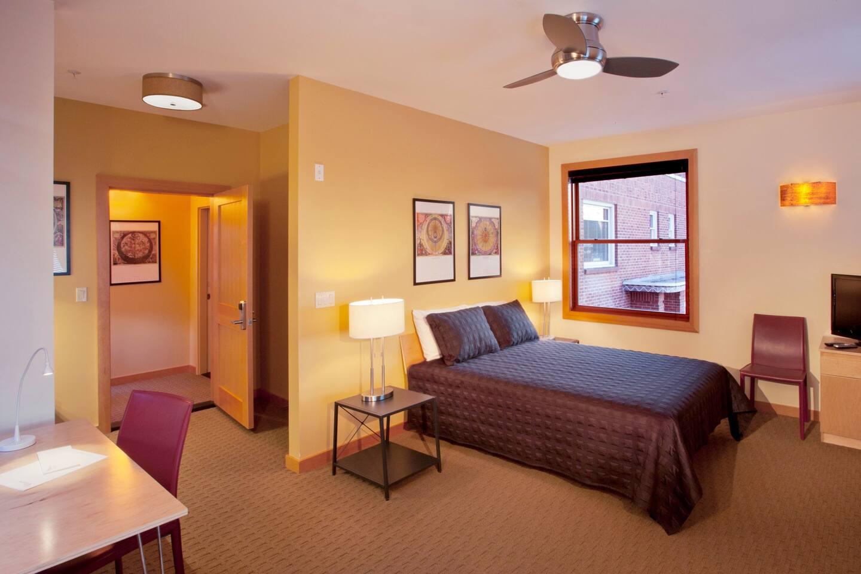 Common/Bedroom Area