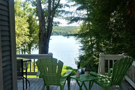 Cozy Lakefront Cottage in the Eastern Townships - Coaticook - Chatka w górach