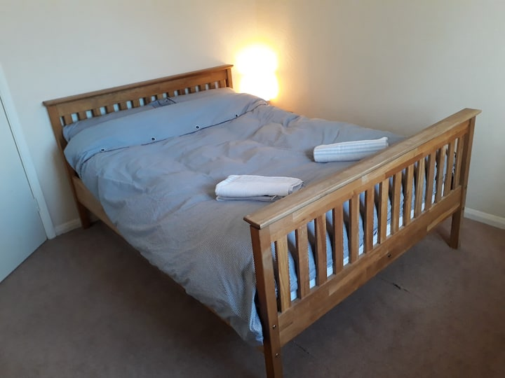 Clean double room, Close to science park.