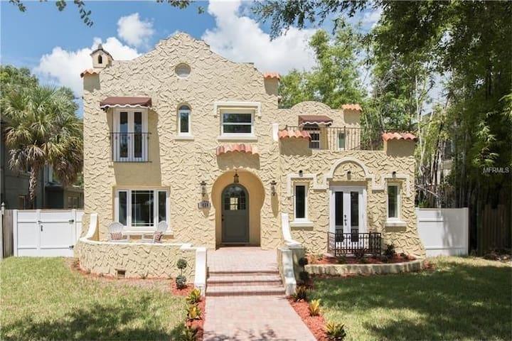 Casa Del Prince Upper