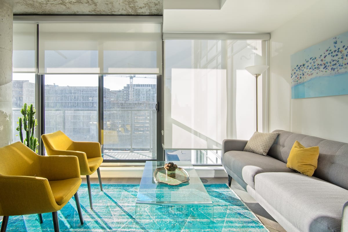 Relax, Work or Play in a Contemporary Luxury Condominium in King West