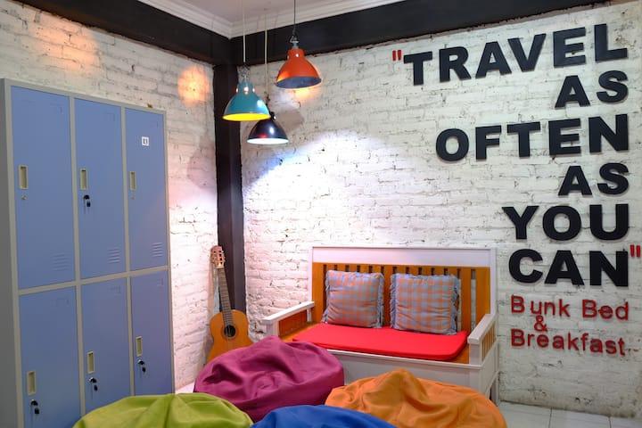 Budget Private Room @ Bunk Bnb Yogyakarta