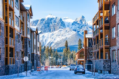 Brand new 3 bedroom condo in the heart of Canmore!